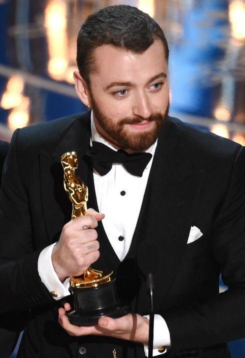 サム・スミス、アカデミー賞の受賞スピーチで騒動に! エル・ガール・オンライン