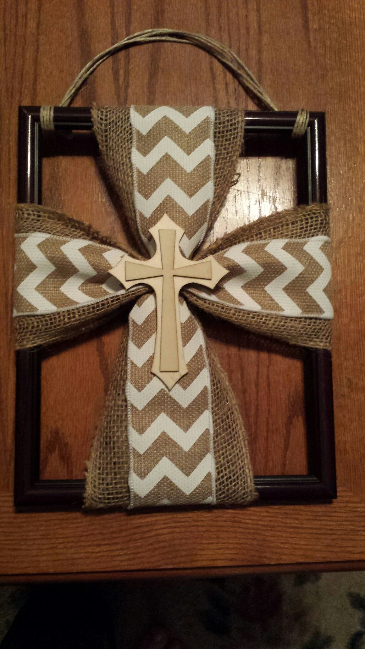 Diy Wreath Hanger Burlap Cross Hanger On A Picture Frame Diy Projects