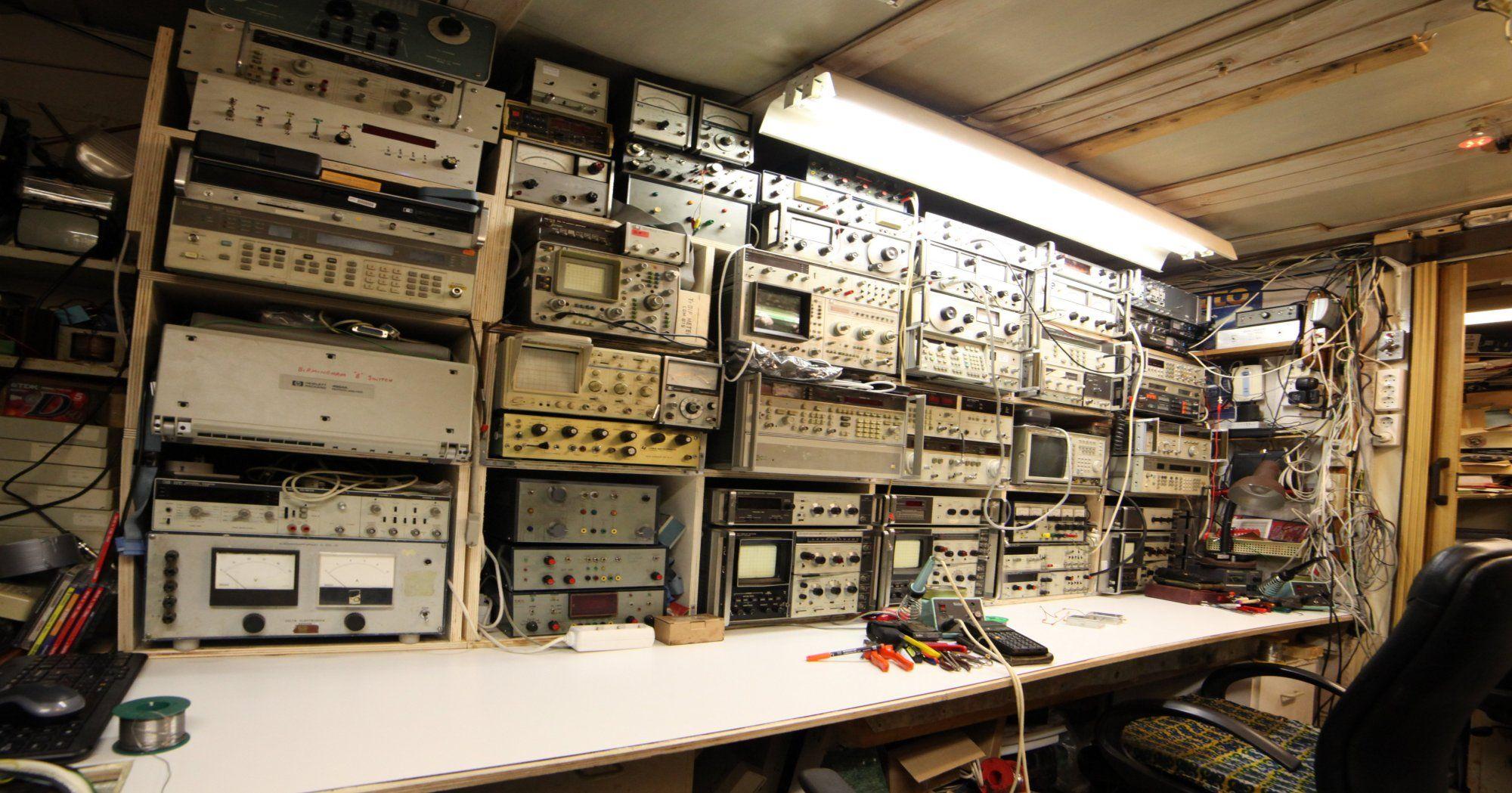 amateur radio electronic workbench  electronic lab · Electronic WorkbenchHam RadioWorkbenchesWorkspacesEngineeringMan  ...