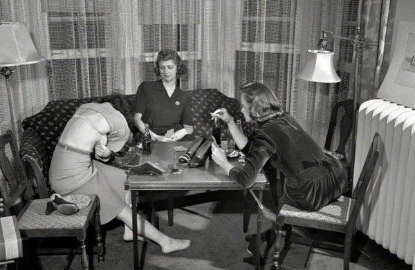 Как играть в карты с девушкой на раздевание чат рулетка через планшет онлайн