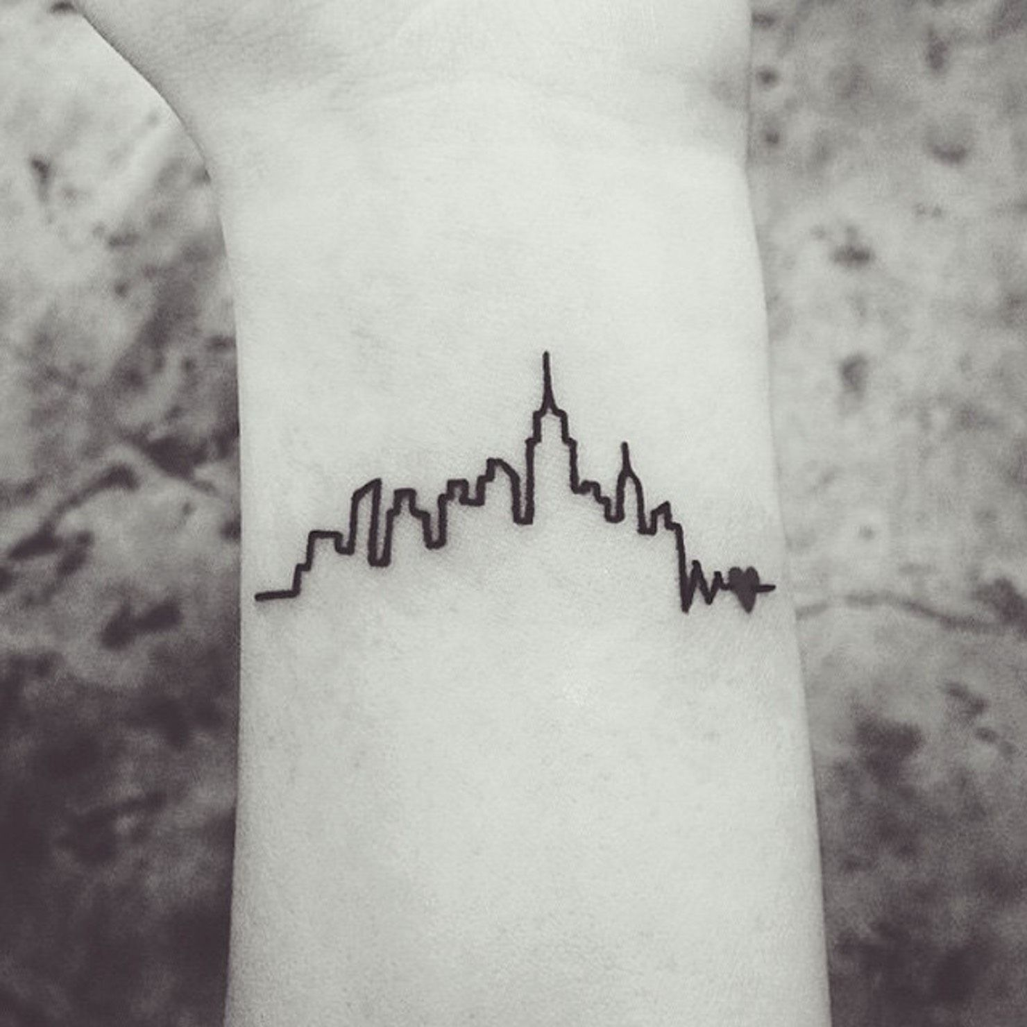 29 Adorable Tattoos You Ll Never Regret With Images Skyline