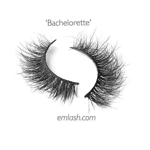 How fluffy are these lashes 😍 Style 'Bachelorette' ➢ Get them on emlash.com 👻 Use code FALL10 for 10% off (link in bio)