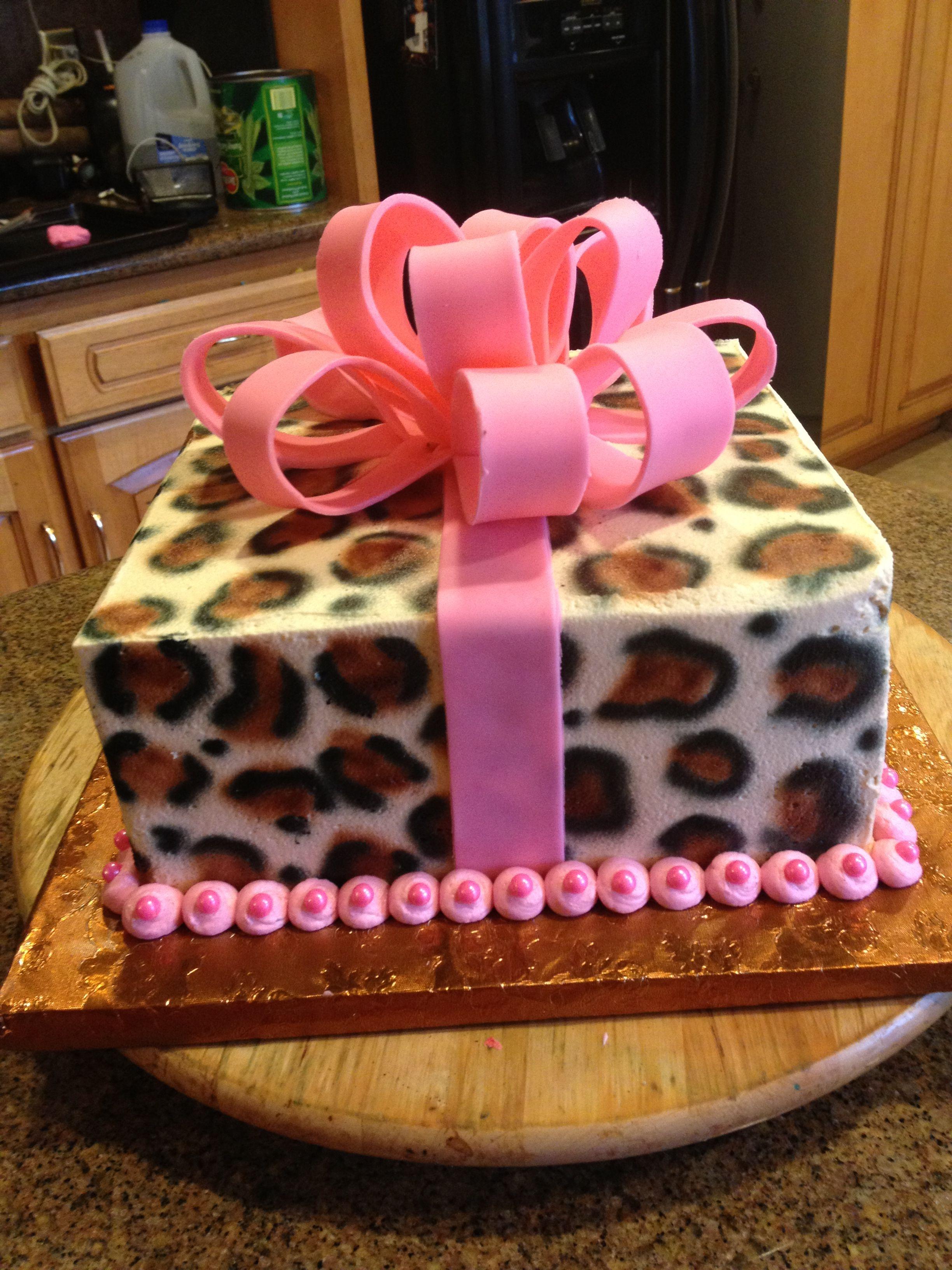 Magnificent Cheetah Birthday Cake With Images Cheetah Birthday Cakes Funny Birthday Cards Online Benoljebrpdamsfinfo