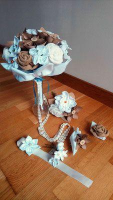 Collection Magali. Bouquet de mariée en fleurs en tissu et origami pour un mariage naturel en coton blanc, toile de jute et kraft