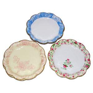 Pretty cake plates   Cake decorating supplies, Pretty ...