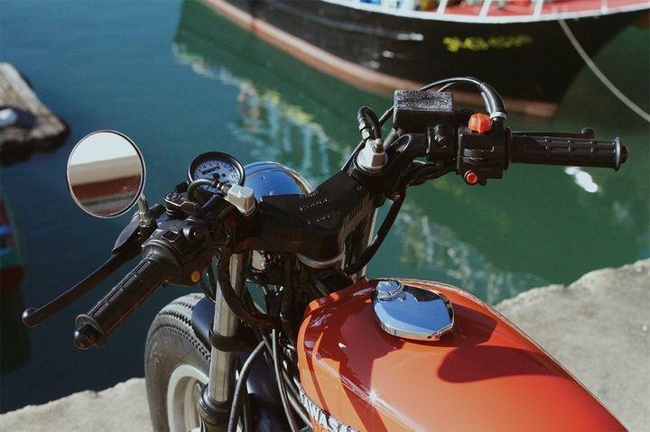 Beautiful Honda CBX400 #BratStyle by Cafe Racer SSpirit. Desde el norte de España, llega esta transformación con una buena base #Honda. Descubre todos los cambios y las FOTOS   caferacerpasion.com