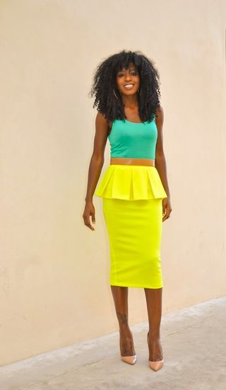 I love this yellow skirt it's gorgeous