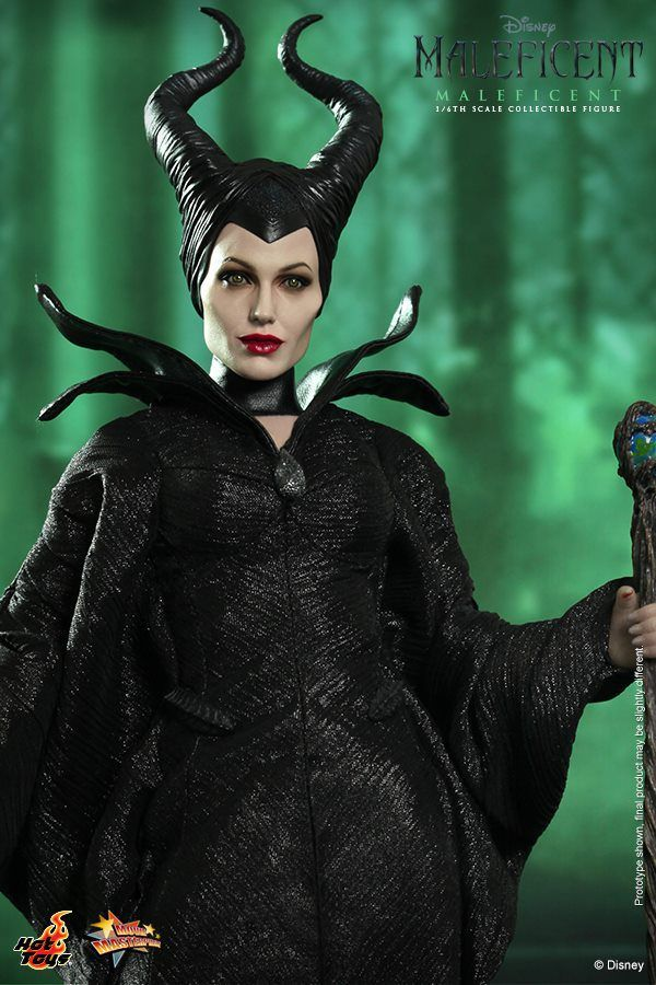 Hot Toys Maleficent Close With Staff Costumes In 2019