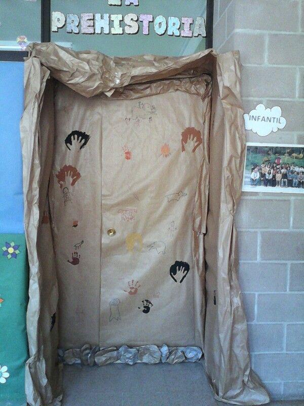 Decoracion puerta proyecto la prehistoria pinterest for Decoracion de puertas escolares