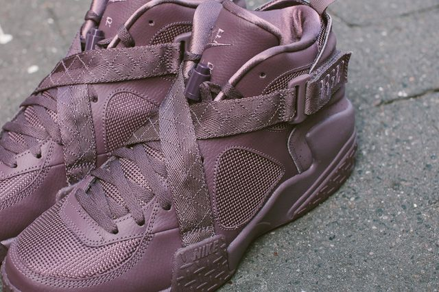 PIGALLE x NIKE BASKETBALL COLLECTION FEAT. NEW AIR RAID | Sneaker Freaker