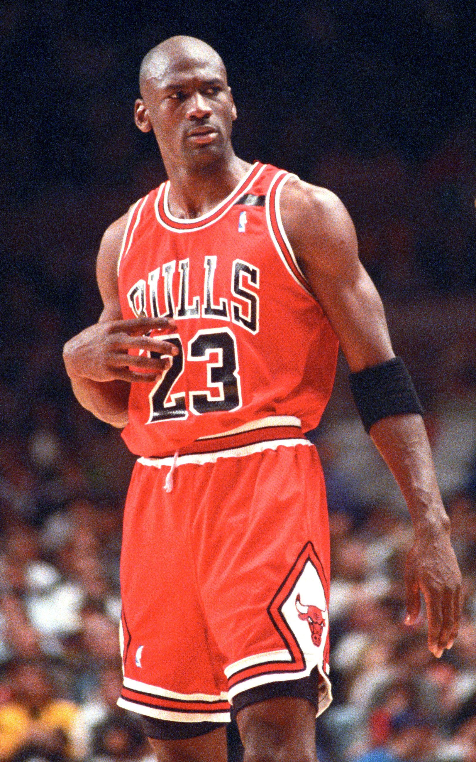 Someone asked @MJ23 who the best player of all time is #9ine (With ...