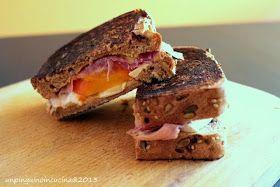 Un pinguino in cucina: Toast con prosciutto crudo, brie e caco vaniglia - Parma Ham, Brie and Persimon Sandwich