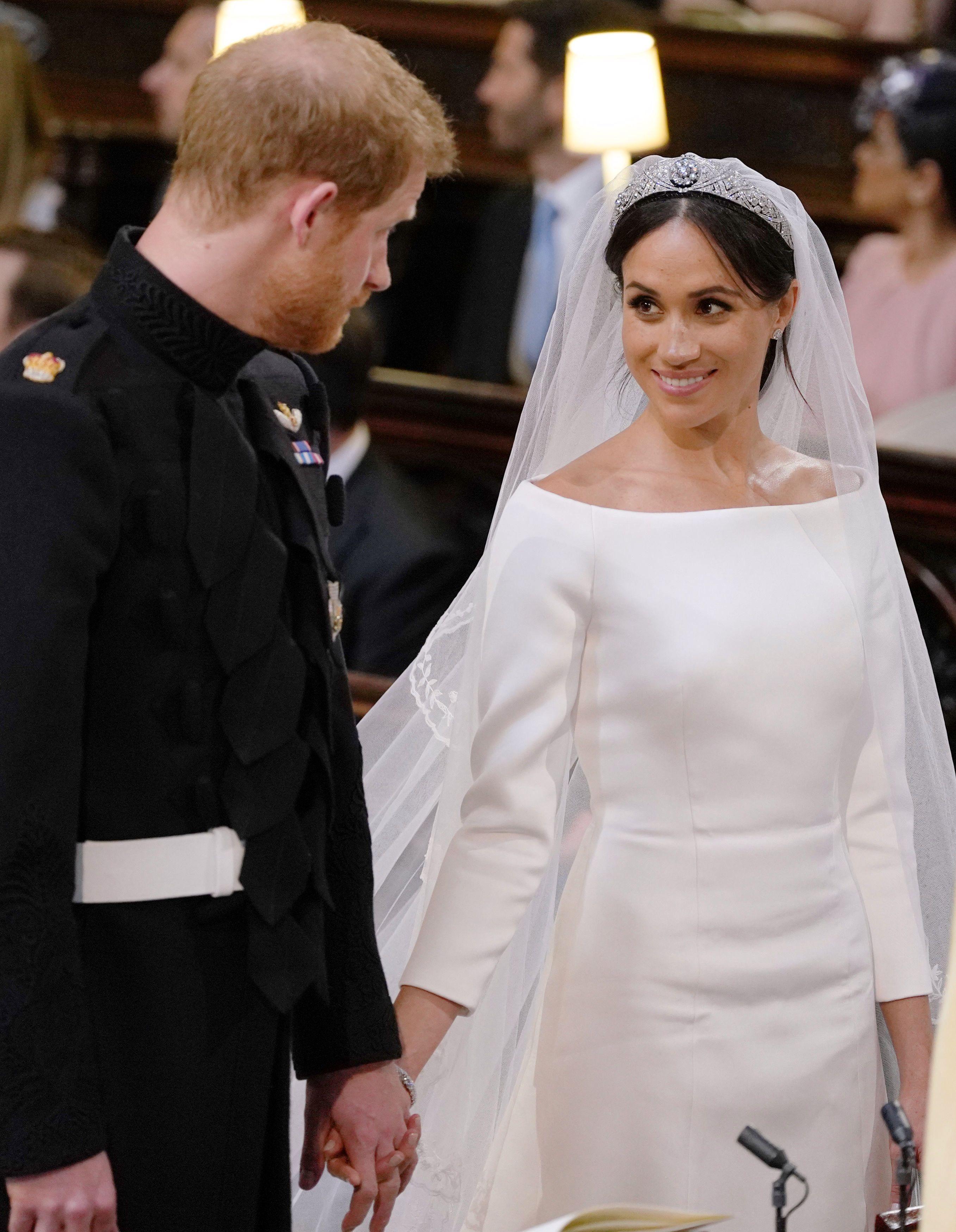 Royal Wedding Dress Meghan Markle.Meghan Markle S Royal Wedding Dress Is A Nod To American Royalty