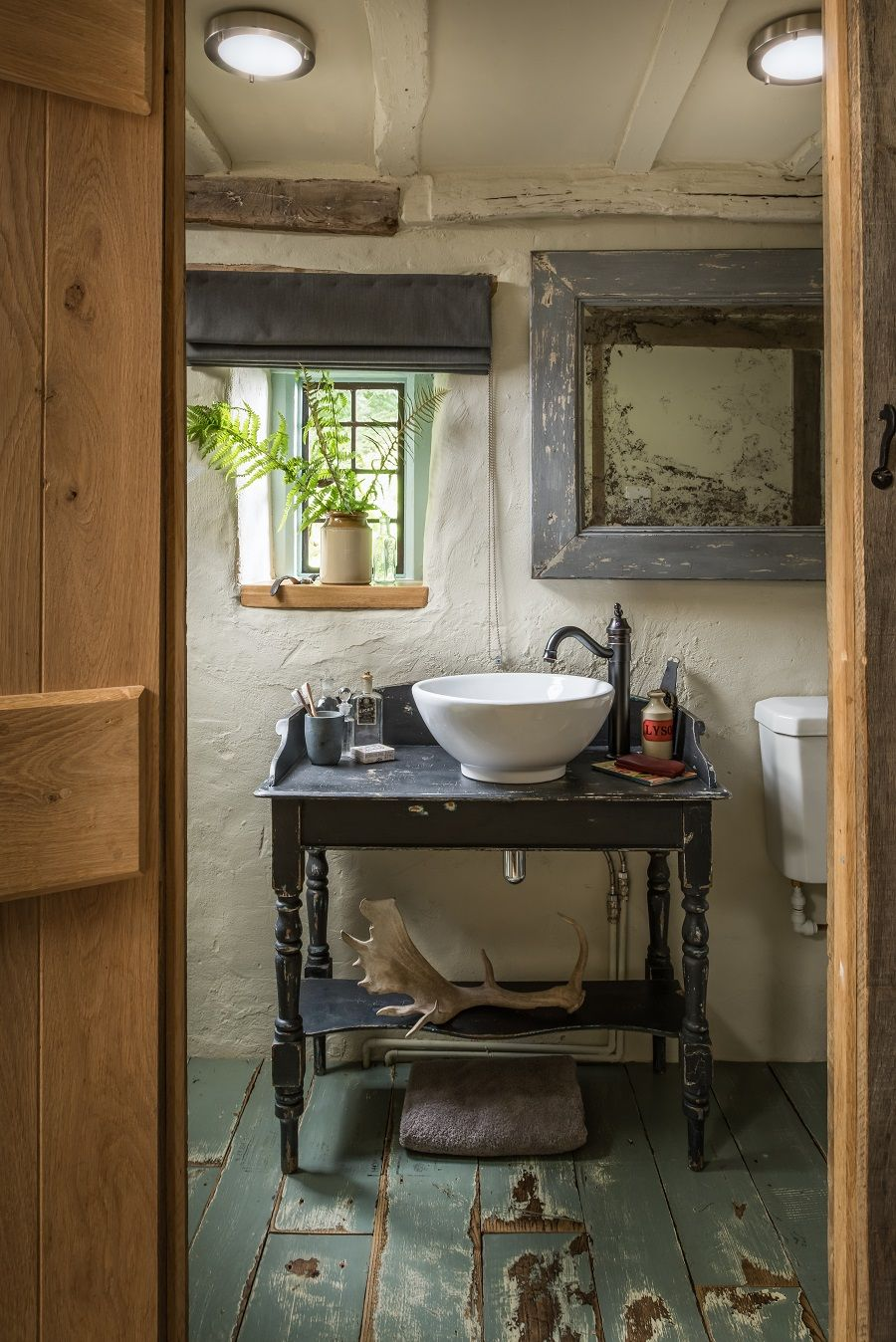 A Barn-Style Holiday Cottage Oozing With Rustic Charm - Dear Designer