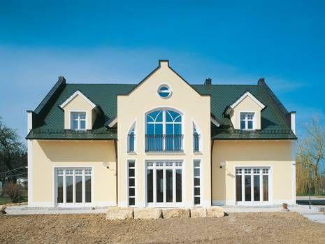 Symmetrisches #Haus Mit Dachziegeln In #grün.