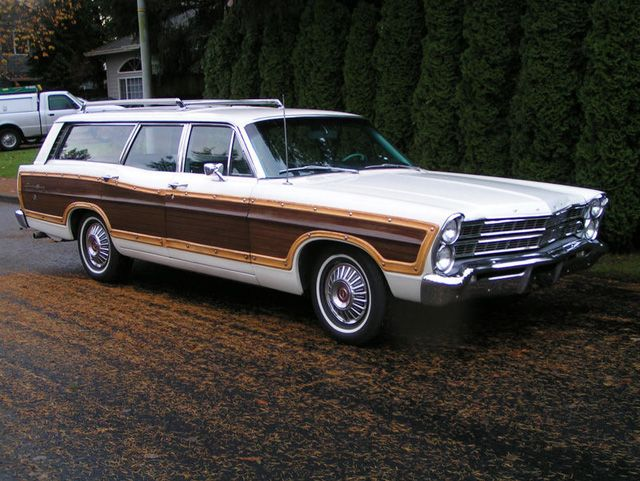 1967 ford country squire wood paneled station wagons. Black Bedroom Furniture Sets. Home Design Ideas