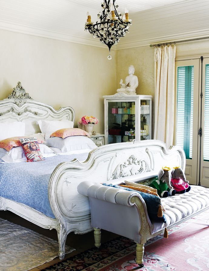 Roses and Rust: French Eclectic in Johannesburg....love this bed ...