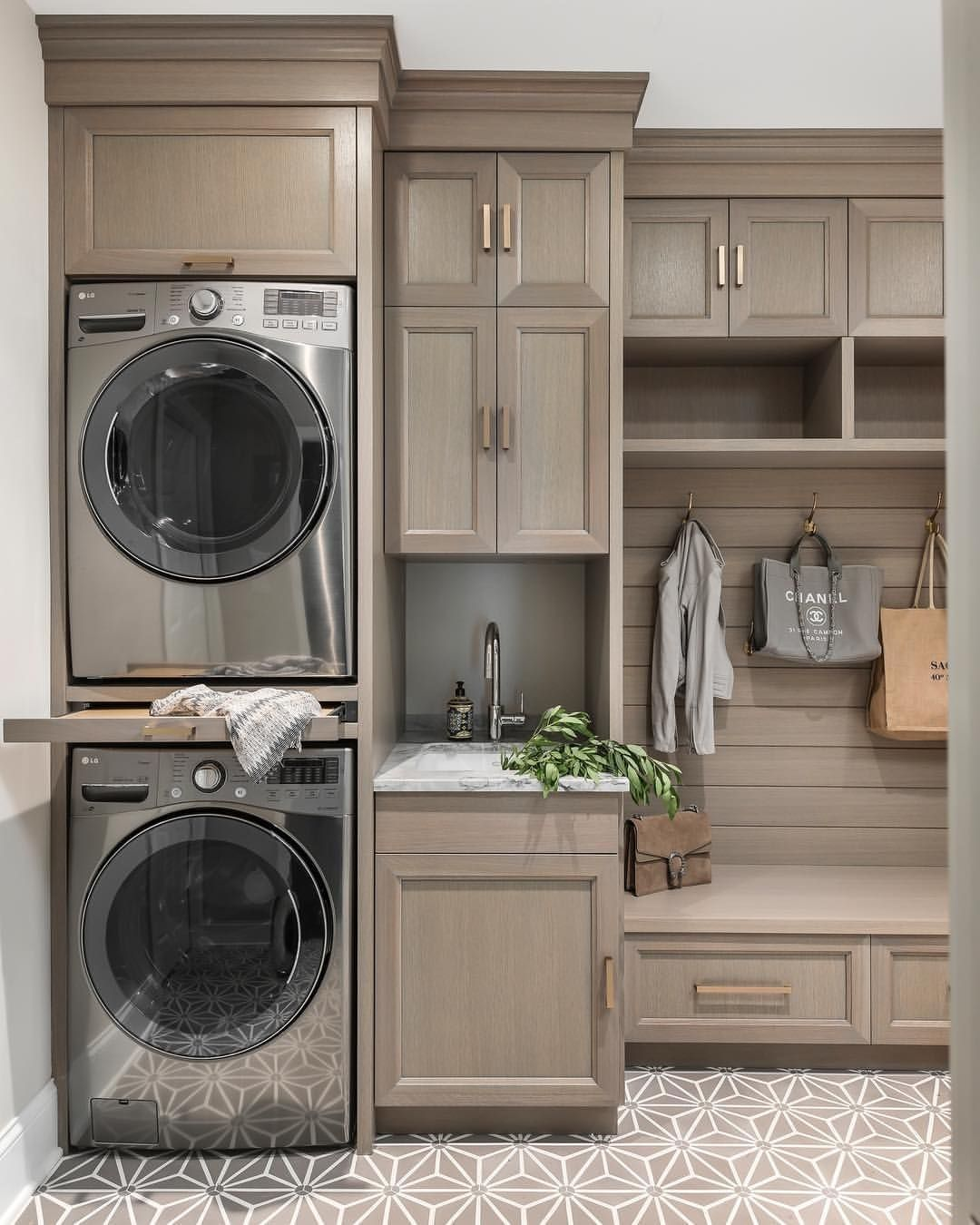 45 Best Small Laundry Room Design Ideas - ZYHOMY