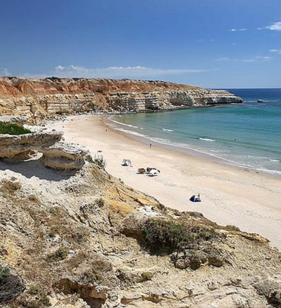 Maslin Beach • Australia's first nudist beach • south Australian beach coastline • photo by robertravels 2007 @ Flickr • photo cropped by riawati