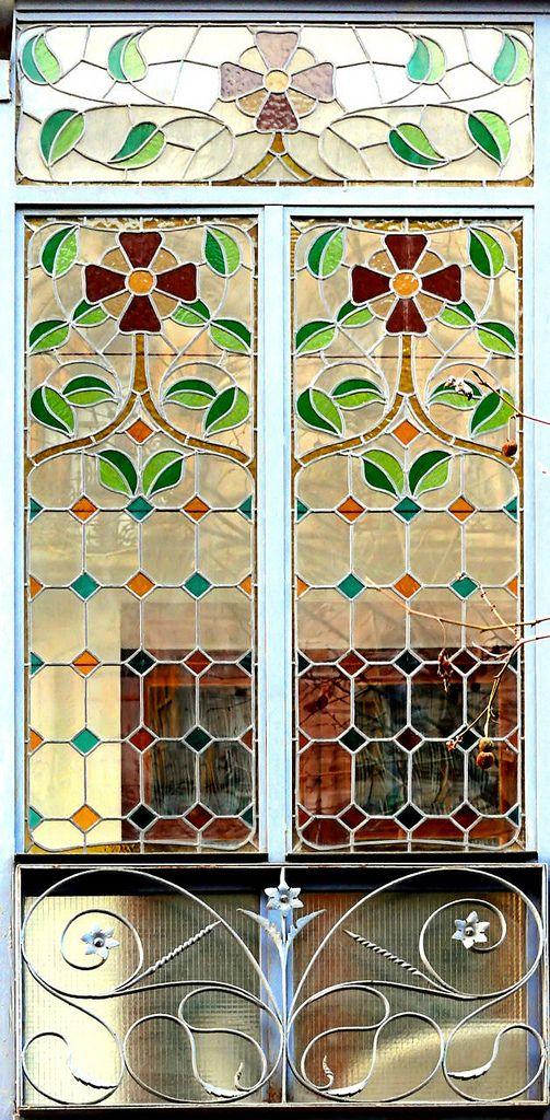 Barcelona - Còrsega 239 c | Vidrieras, Flores pintadas y Mosaicos
