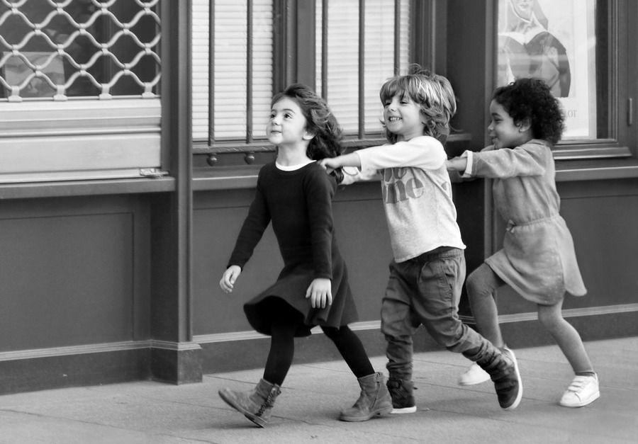 12 кадров. Дети Парижа - La vue Parisienne