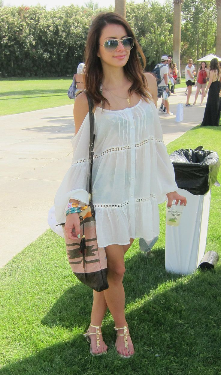 Flirty Outfit Ideas for a First Date | Shoulder dress, Boho and ...