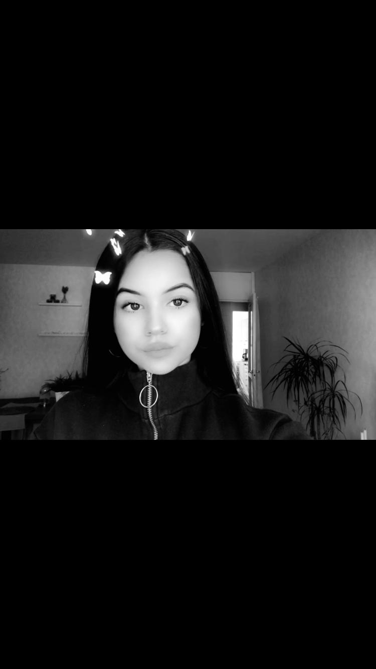 Selfie Aesthetic Hijab Selfie Aesthetic In 2020 Madchen Bilder Madchen Fotos Schonheit Madchen