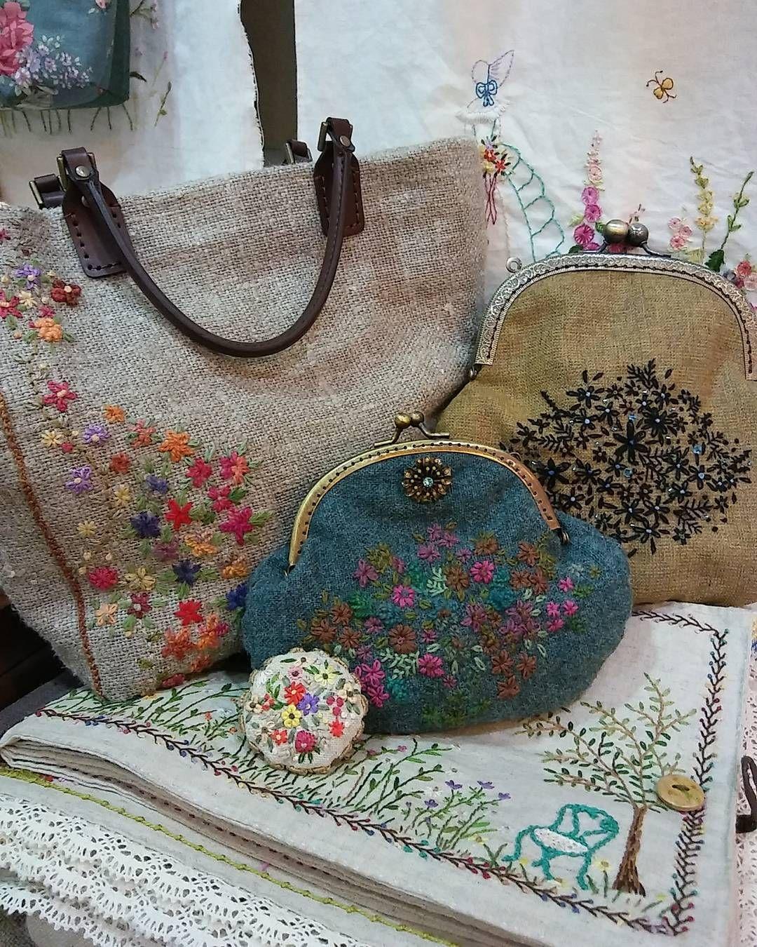 #Embroidery#stitch#needlework#hand made #프랑스자수#일산프랑스자수#자수#자수타그램#핸드매이드#자수가방#프레임파우치 #나의 이쁜 아가씨들. .