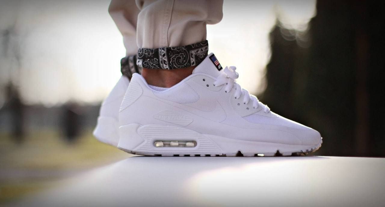 Crispy White Nike Air Max 90 Hyperfuse Independence Pack Sneakers Nike Running Shoes Women Nike Air Max Nike Shoes Outlet