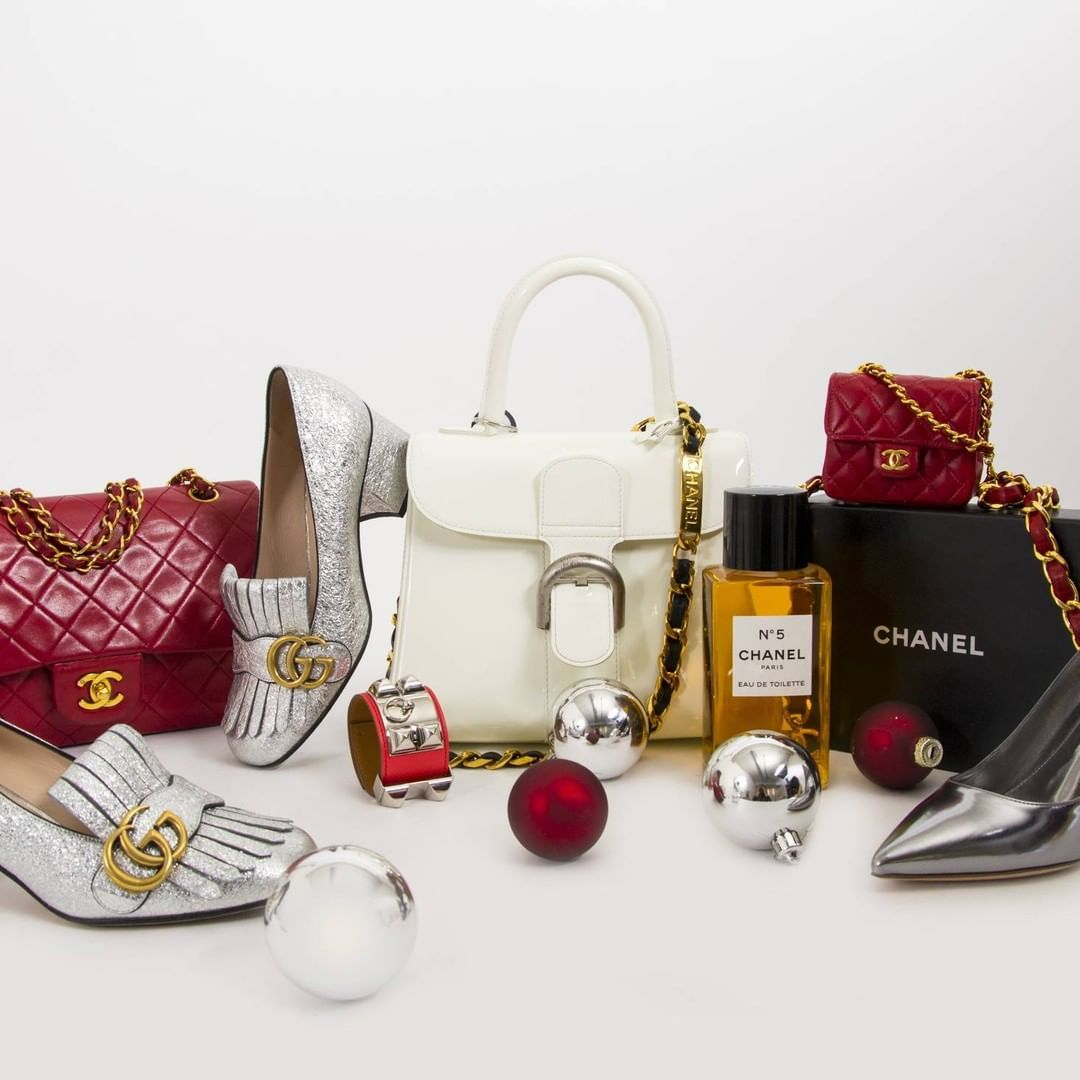 We have carefully selected our favorite it-bags and accessories from the  world of luxury. Add your favorites to your wishlist or make your loved  ones (and ... 3ee3cbda2d9b6