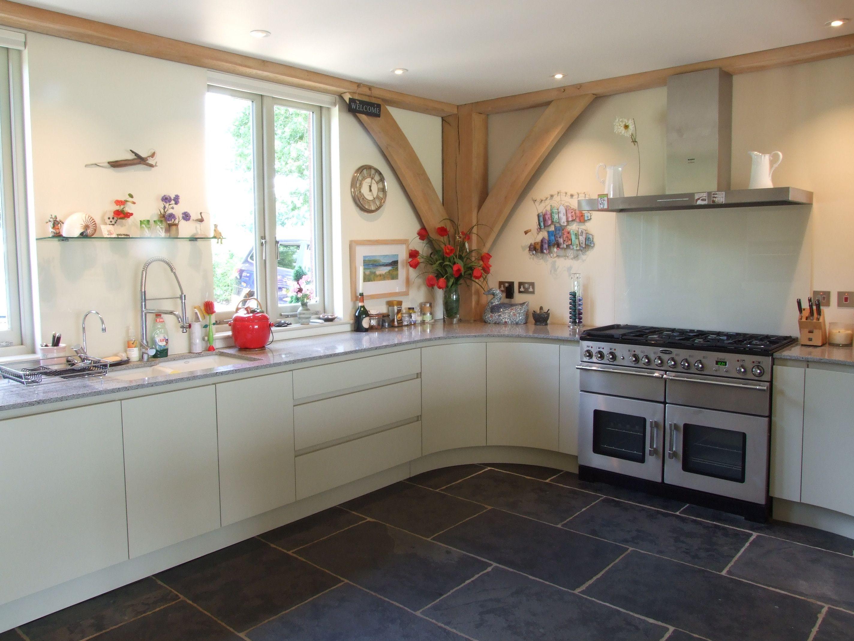 Painted Handleless Kitchen - Farrow and Ball \'Bone\' | Lacewood ...