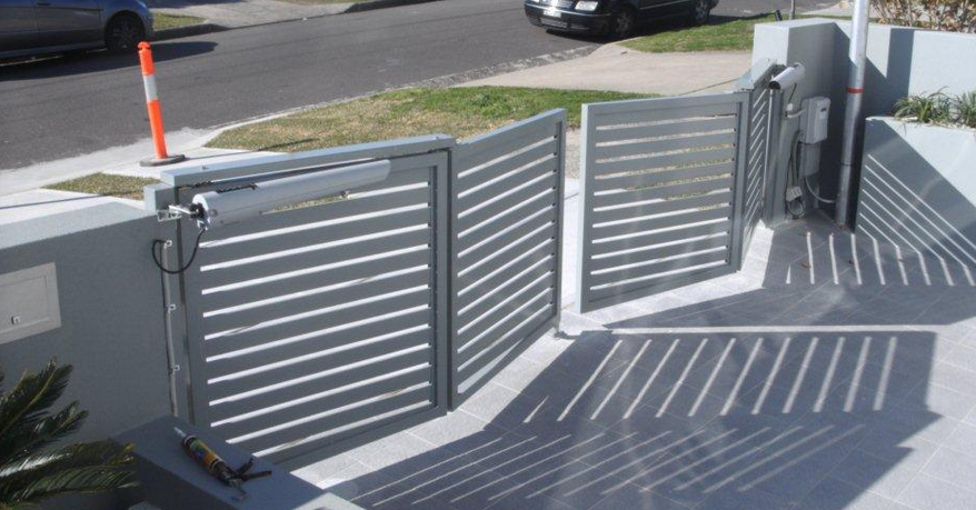 Trackless Bifold Gates Fences And Gates In 2019