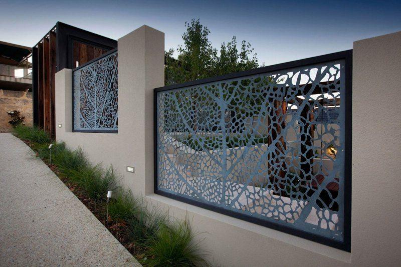 Dekorativer Sichtschutz Aus Lochblech Für Den Garten