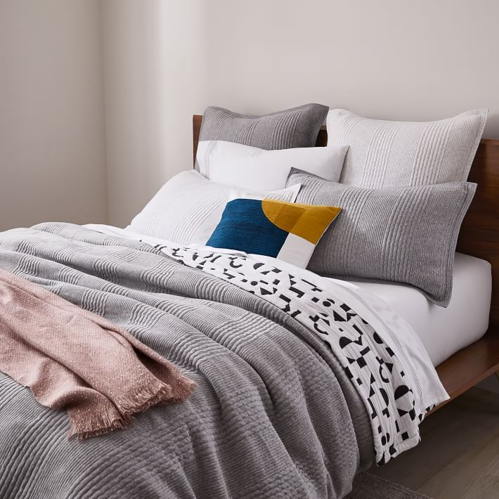 10 Organic Sheets Bedding Sources To Help You Sleep Sweetly Organic Bedding Cotton Clouds Bedding Brands