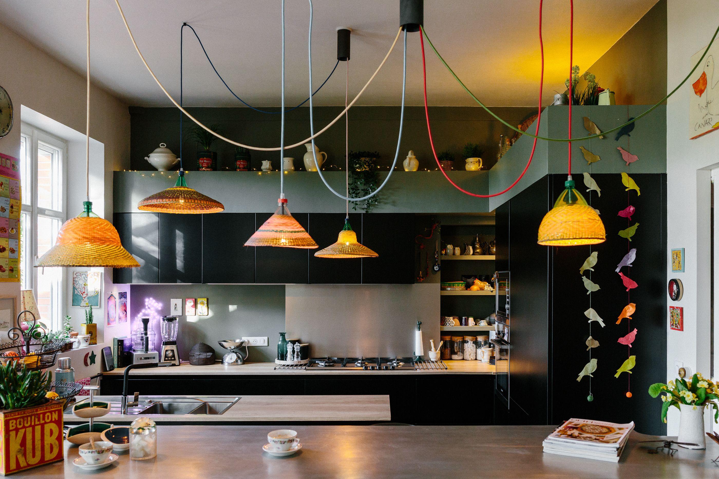 Elisa Et Ronan Letanoux Architectes D Interieurs Vous Propose De S Occuper De L Amenagement Architecte Interieur Cuisine Noire Et Bois Architecture Interieure