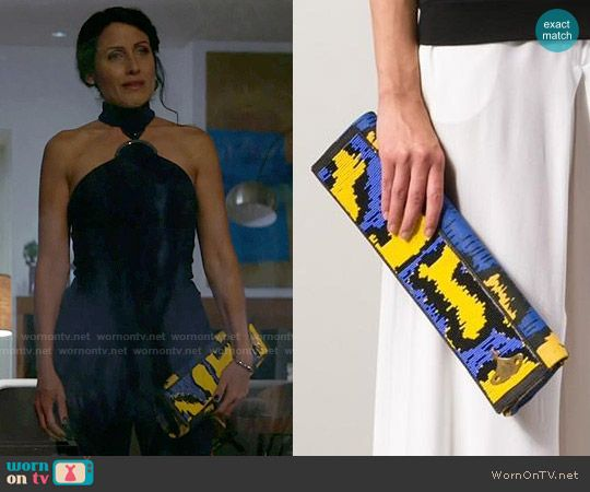 Abby's blue and yellow clutch on Girlfriends Guide to Divorce.  Outfit Details: https://wornontv.net/64488/ #GG2D