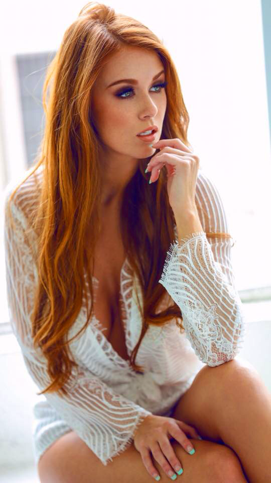 Models hottest redhead