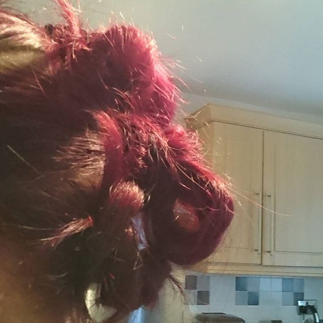 Quick messy #fauxhawk up for.. Trying something different as I have spare time today :) loving it.  #fauxhawk #updo #sundaychilling #happysunday #purplehair