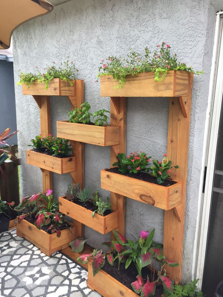 Wonderful Pallet Vertical Garden Apartment #apartmentgardening
