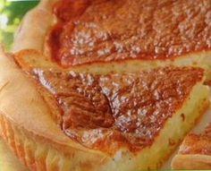"""Vous ne savez pas quoi faire ce soir, vous avez du fromage blanc et des oeufs, faites donc une Tarte au fromage accompagnée d'une salade verte..   Facile à réaliser, rapide à faire, la Tarte au fromage """"express"""", une idée gourmande qui ravira les grands et les petits..   Une Tarte..."""