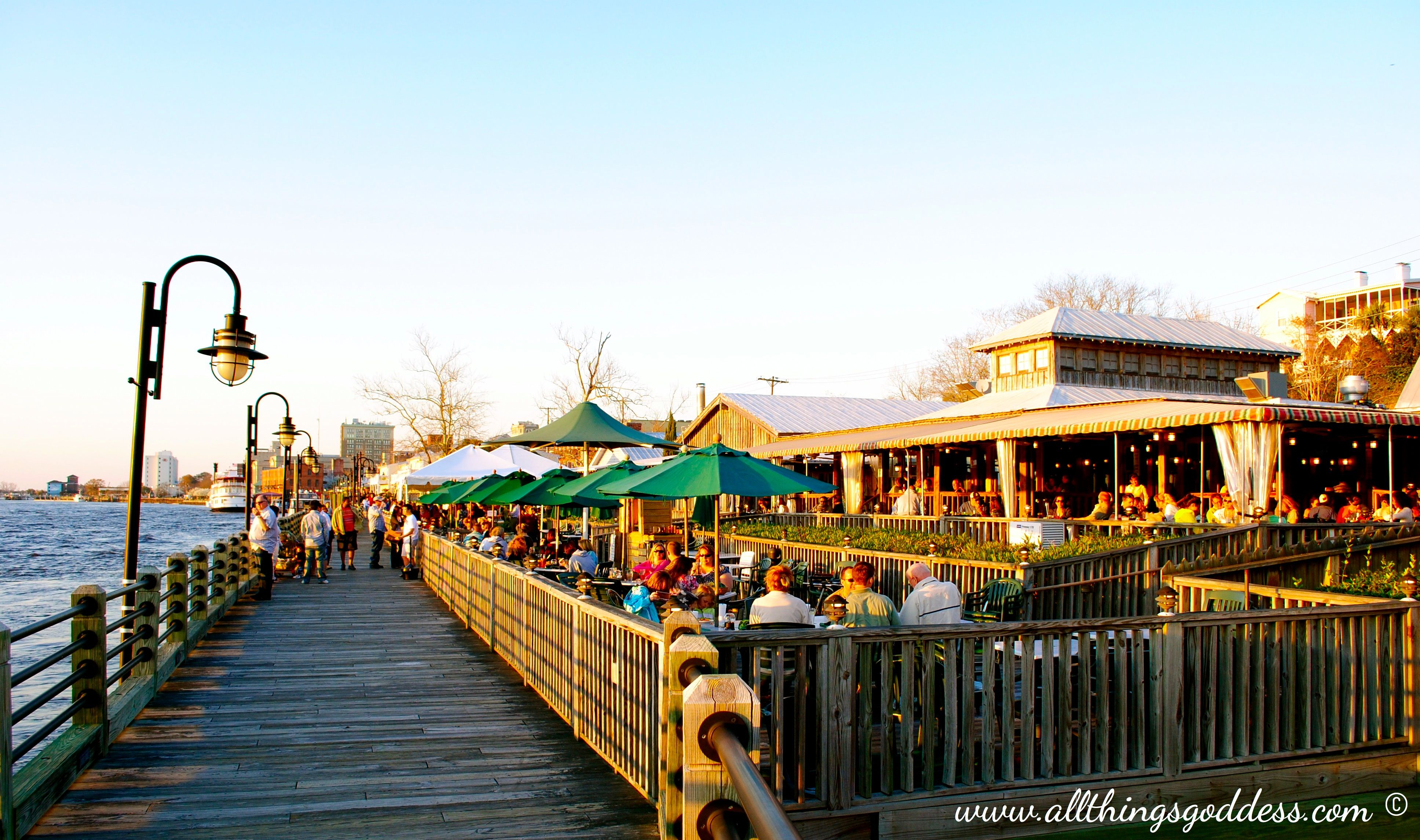 Elijah S On The Riverwalk In Wilmington Nc Their Seafood Cuisine Is Delish