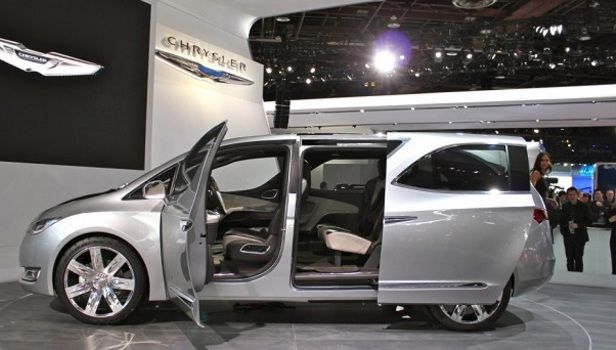 2017 Chrysler Town Country Exterior