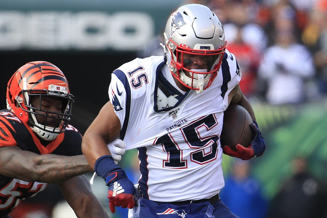 Getting Nkeal Harry Going Is The Easiest Way To Improve The Patriots Passing Offense Nfl News Nfl Update Nfl Nfl Slash In 2020 Nfl News Patriots New Patriots