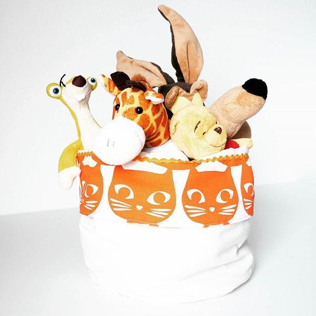 Nuovi prodotti! Sacco contenitore in tessuto. Domani vi faccio vedere un po di più Buonanotte! #handmade #designer #imdesign