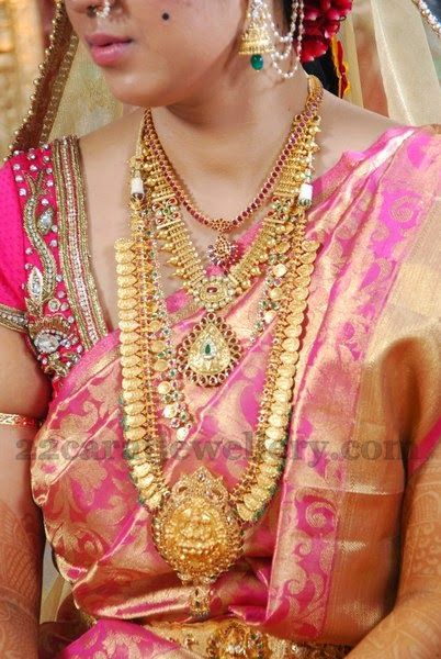 Bride in Traditional Gold Jewellery Abharanam Pinterest Gold