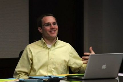 Zach Dawes, Jr, is the managing editor at EthicsDaily Click - managing editor job description