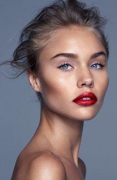 makeup blue eyes red lips blonde