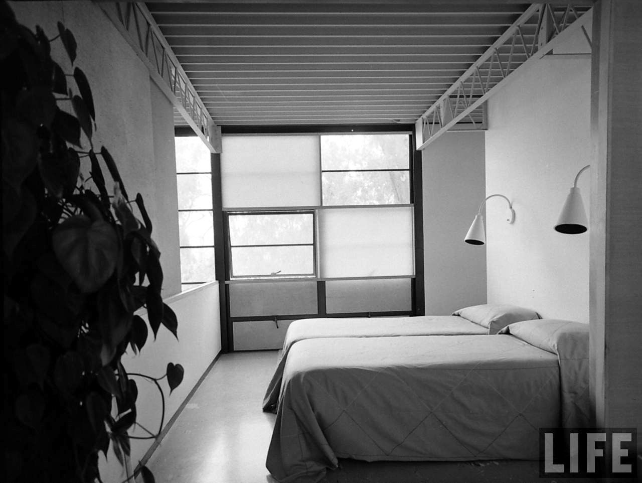 Eames House interior bed room Photo by
