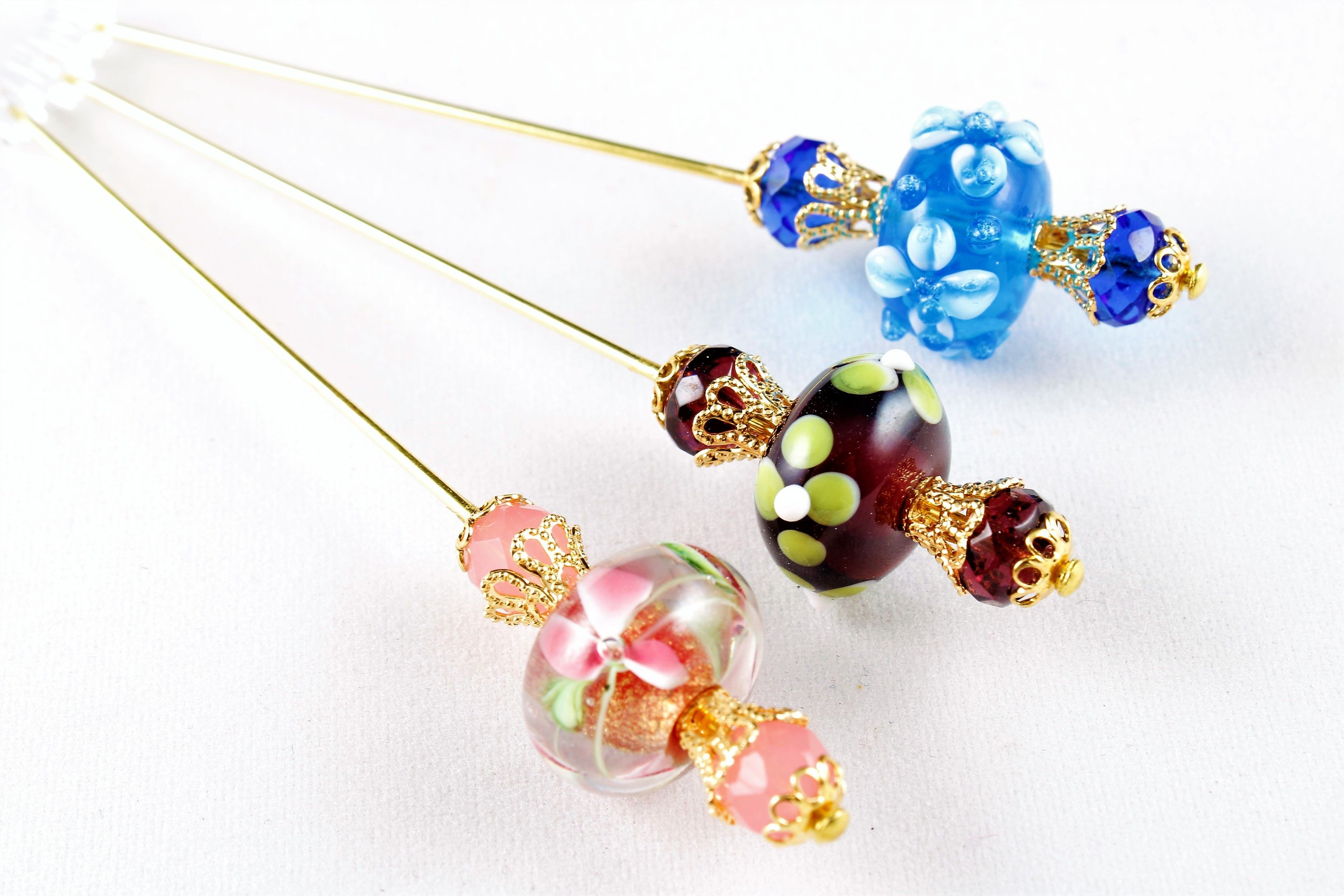 Red Lampworked Glass Oval Beaded Stick Pin