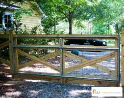 Image Result For Wooden Driveway Gate With Hog Wire